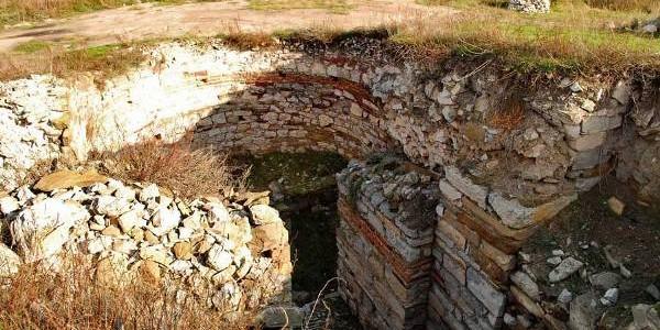 Trei cetăţi istorice vor fi redate circuitului turistic