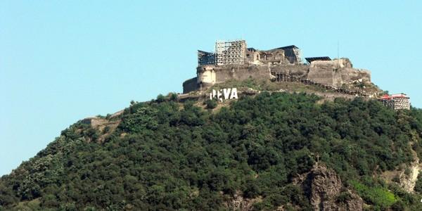 Cetatea Deva se redeschide pentru turişti