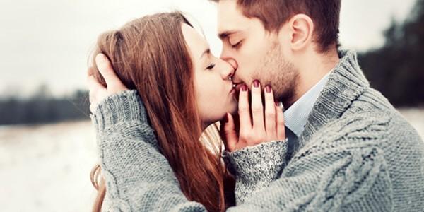 De ce închidem ochii când sărutăm