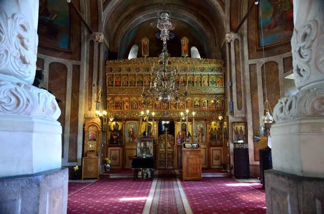 Biserica-Coltea-02