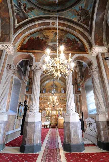 Biserica-Coltea-04