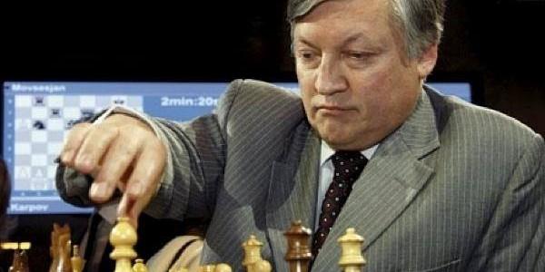 Anatoli Karpov va susţine un simultan, la Iaşi