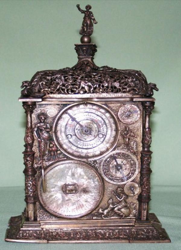 Muzeul Ceasului-01