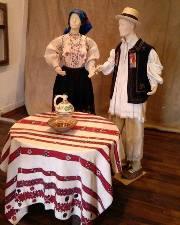 2.000 de costume populare la Muzeul de Etnografie şi Artă Populară din Baia Mare