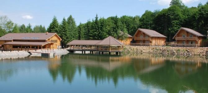 Lac la 1.000 de metri în Staţiunea Şuior