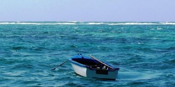 4 naufragiaţi au supravieţuit 10 zile în largul mării mâncând peşte crud