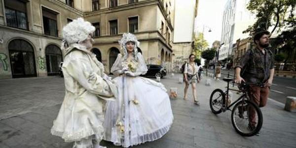 A început Festivalul Internaţional de Statui Vivante