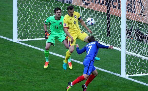 Franta-Romania-EURO-2016-04