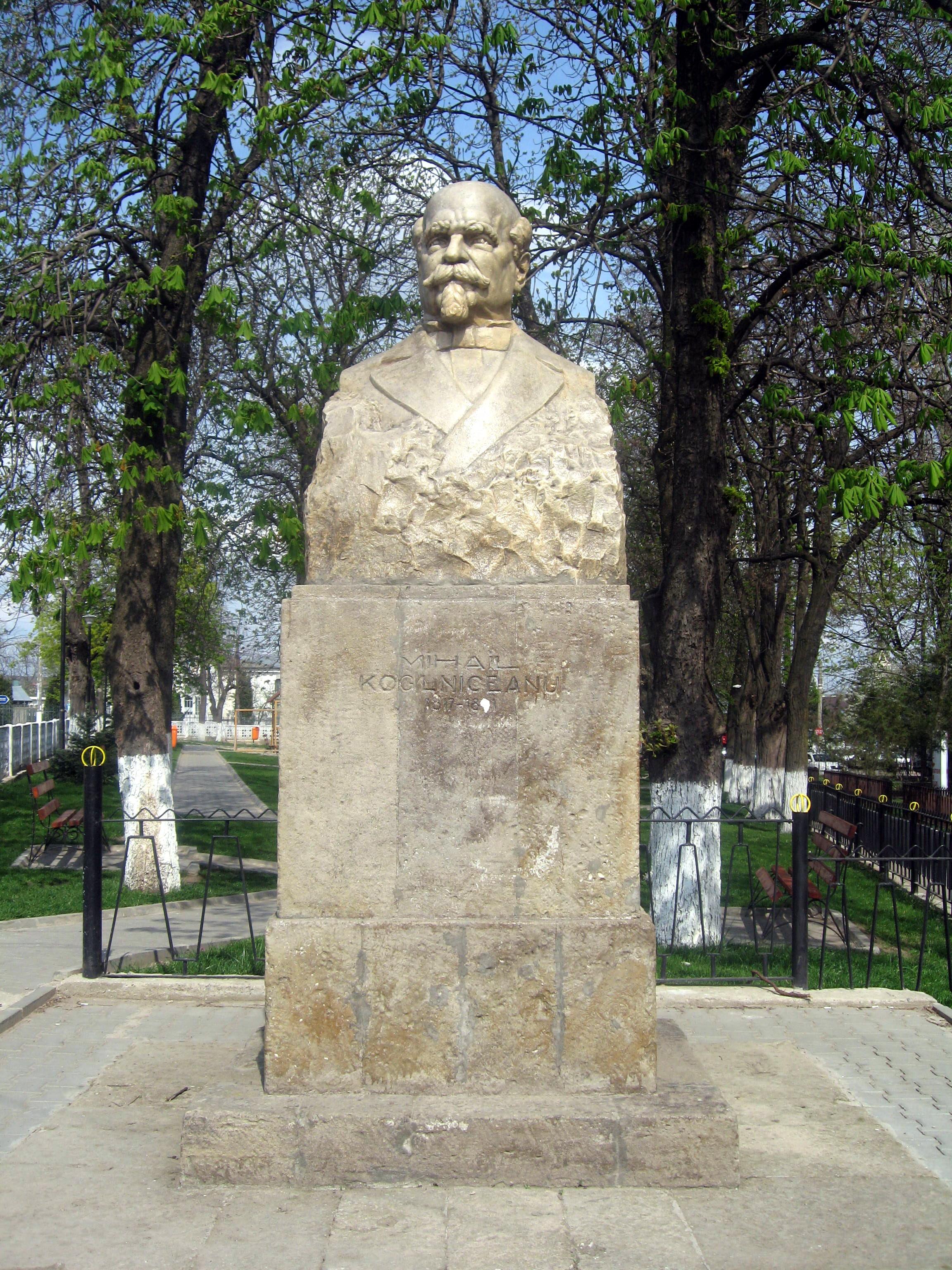 Mihail Kogalniceanu-02