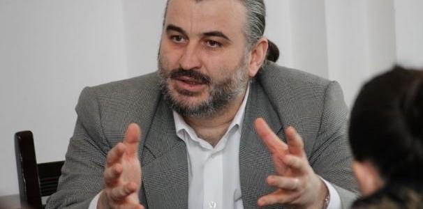 """Rectorul Universităţii """"Petre Andrei"""" din Iaşi, reţinut pentru 24 de ore"""