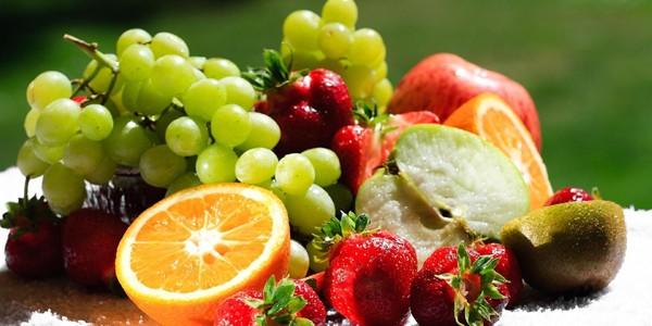 Fructele proaspete asigură protecţia împotriva crizelor cardiace
