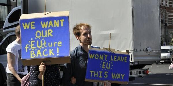 """""""Brexshit"""": 40.000 de oameni au protestat în centrul Londrei"""