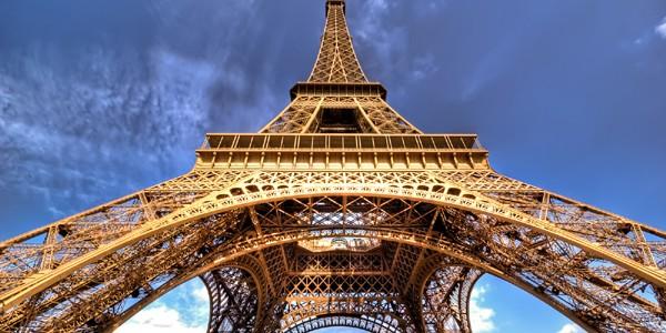 Terasă verde la primul etaj al Turnului Eiffel