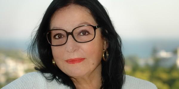 Nana Mouskouri, o legendă a muzicii greceşti