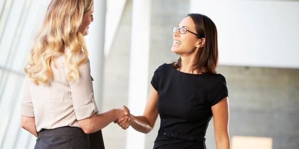 Cum ne comportăm când facem cunoştinţă cu o persoană