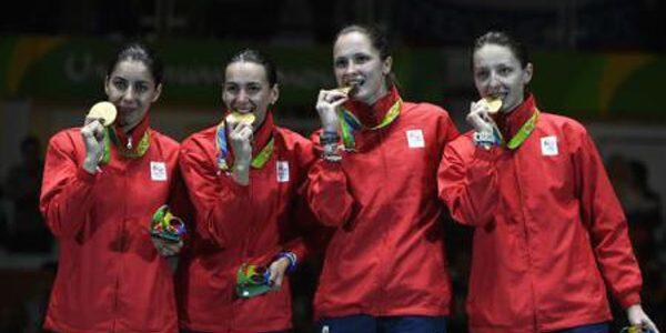 AUR pentru echipa feminină de spadă