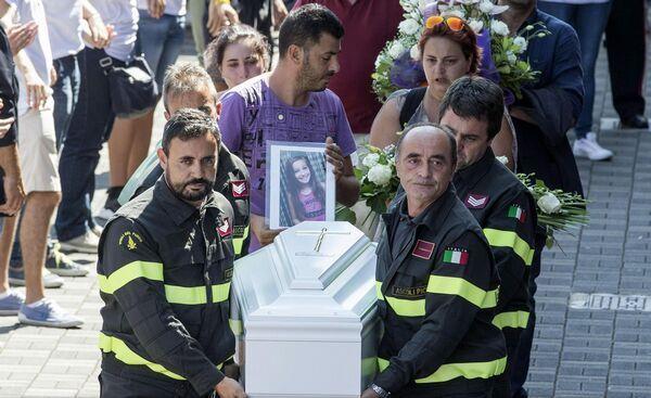 funeralii-Giulia-Rinaldo