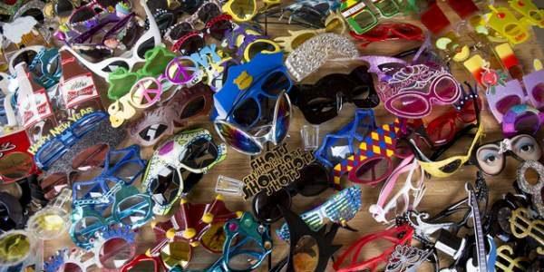 Cea mai mare colecţie de ochelari de soare