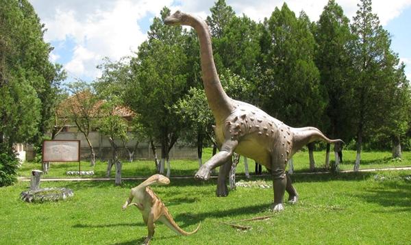 geoparcul-dinozaurilor-02