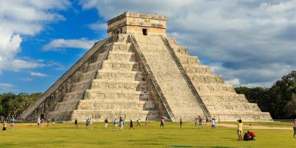 Statele Unite Mexicane: repere geografice şi istorice, turism şi gastronomie