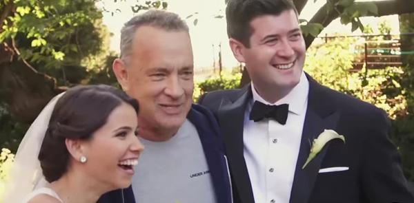 Tom Hanks a nimerit la o şedinţă foto de nuntă în Central Park