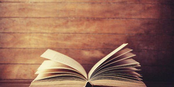 Sentinţă inedită: clientul unei prostituate minore trebuie să-i cumpere cărţi