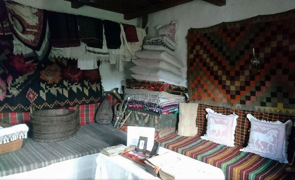 casa-traditionala-Trusesti-02