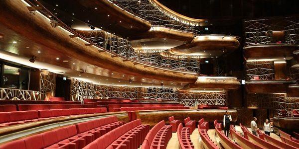Opera din Dubai a fost inaugurată cu un concert susţinut de Placido Domingo