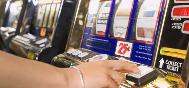 100.000 de români de peste 18 ani manifestă probleme cu jocurile de noroc