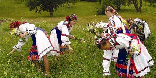 14 aprilie – ziua tradiţiei