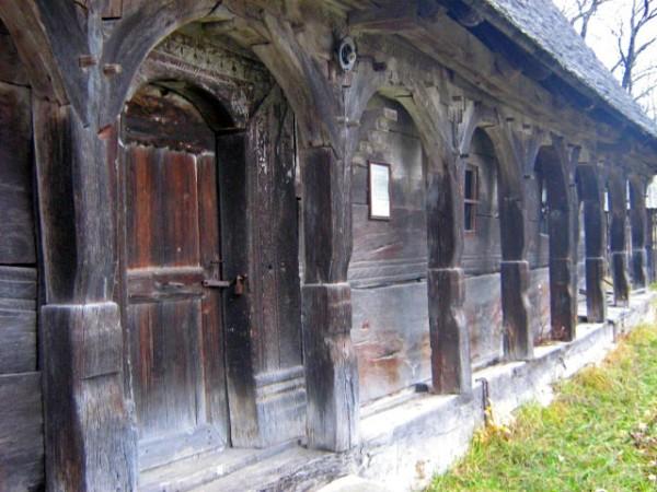 biserica-brebi-02