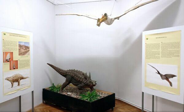 ultimii-dinozauri-01