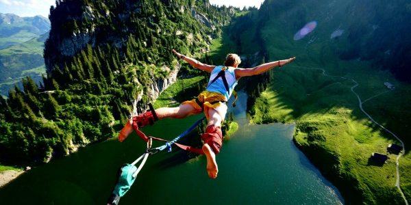 13 iunie – ziua aventurii nebuneşti