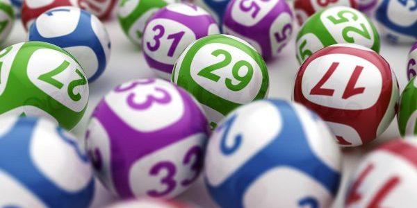 Un copil de 3 ani a devenit milionar după ce a câştigat la o loterie