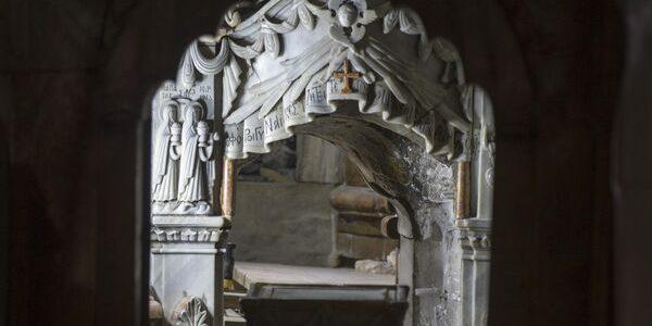 Mormântul lui Iisus, deschis pentru prima dată în cel puţin două secole