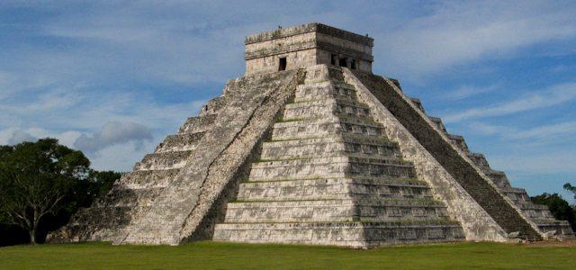 """Piramida lui Kukulkan a fost construită asemenea unei """"păpuşi ruseşti"""""""