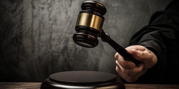 Taximetrişti ilegali, condamnaţi definitiv la pedepse de până la 18 ani de închisoare