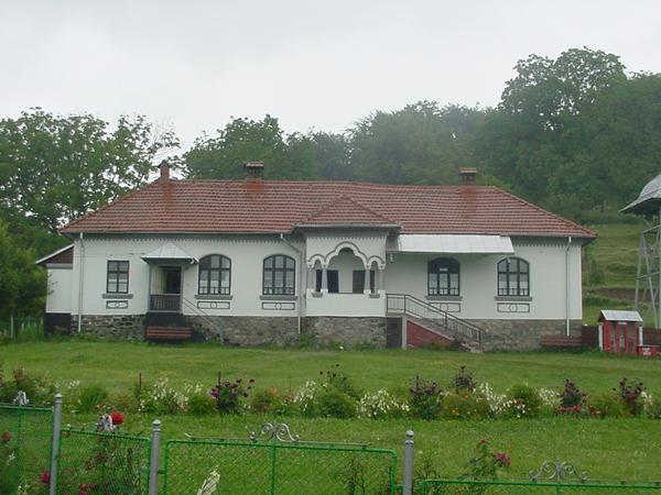 manastirea-frasinei-04