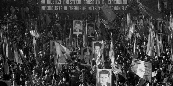 Revoluţia din 1989: 21 decembrie – Baricada de la Inter