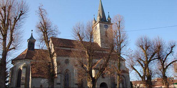 Biserica Săsească din Reghin, construcţie-enigmă ce prezintă presupuse urme ale Cavalerilor Teutoni