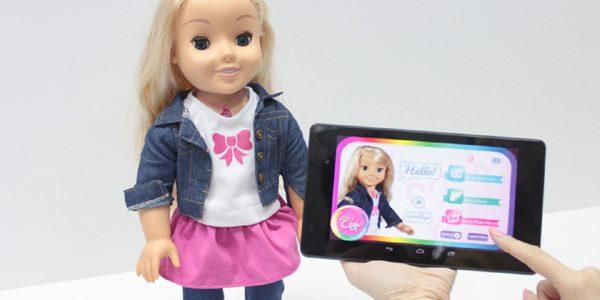O agenţie federală cere părinţilor să distrugă păpuşa Cayla, de teama hackerilor