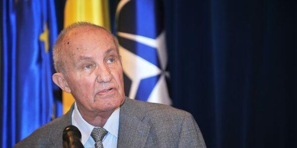 Academicianul Dinu C. Giurescu a împlinit 90 de ani