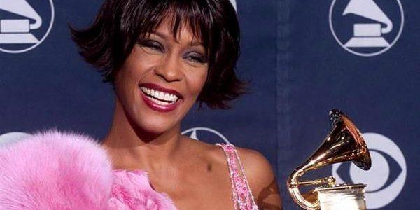 Whitney Houston, una dintre cele mai premiate artiste ale tuturor timpurilor