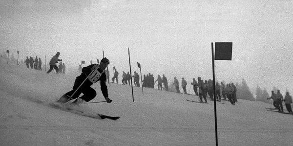 ISTORIA SPORTULUI ROMÂNESC: Schi şi biatlon