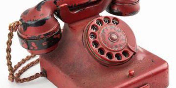 243.000 de dolari pentru un telefon care i-a aparţinut lui Hitler