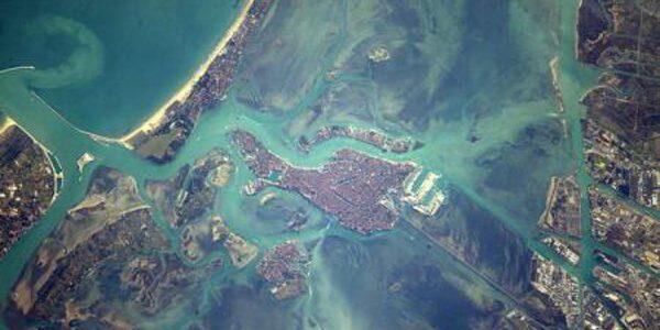 Veneţia văzută de pe orbită