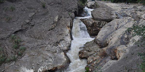 Cascada Putnei din Munţii Vrancei