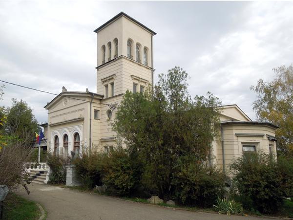 Casa_Sadoveanu_Iasi-000