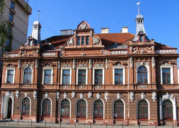 Muzeul-de-arta-Brasov