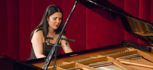 Pianista Raluca Ştirbăţ: A cânta în faţa publicului de acasă e întotdeauna un sentiment aparte